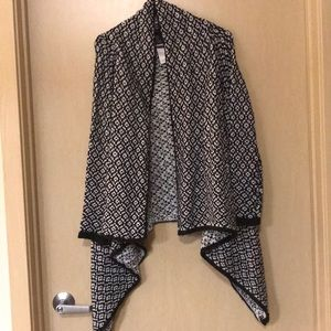 Forever 21 - Black & White Cardigan Shall - Small